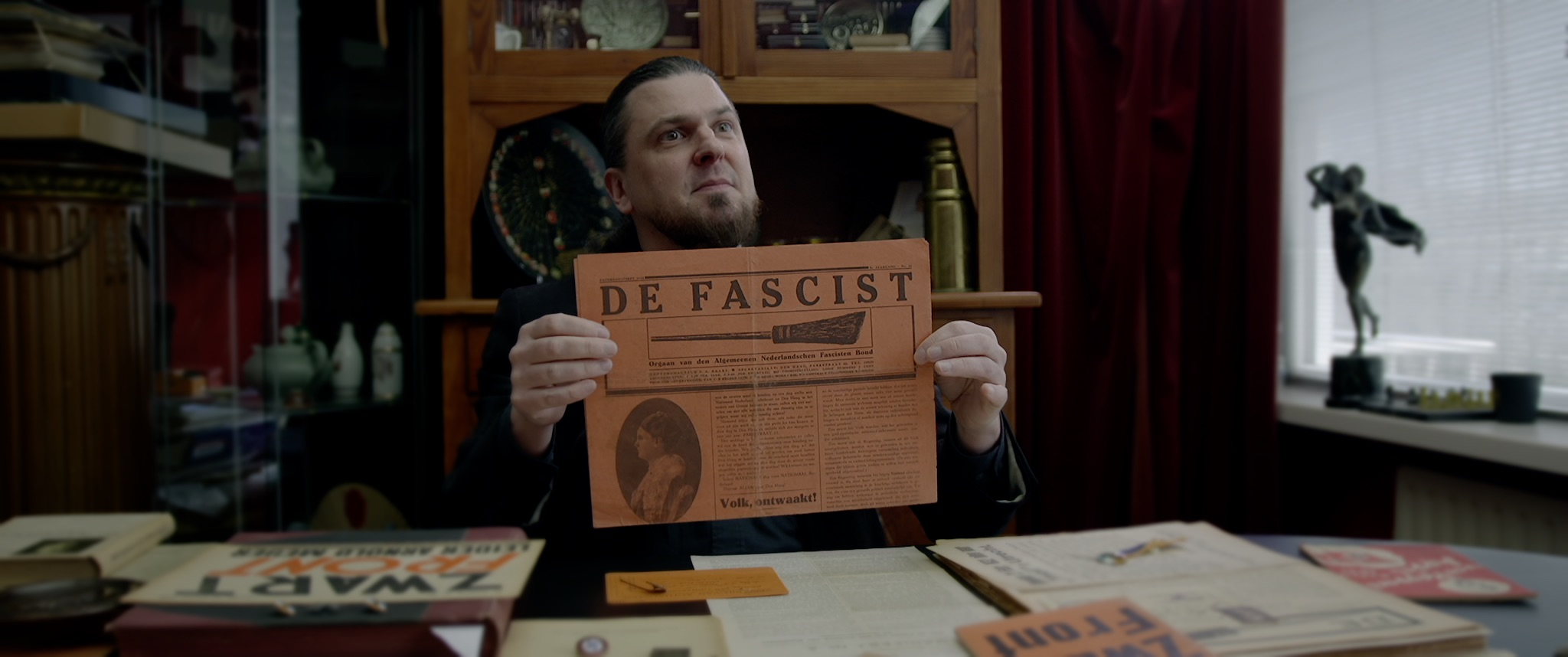 Fascism, Jan Baars, newspaper De Fascist, The Fascist, the people, Algemene Nederlandse Fascisten Bond, De Bezem, populism, collector
